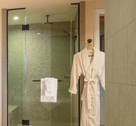Senses Private Club spa and bath